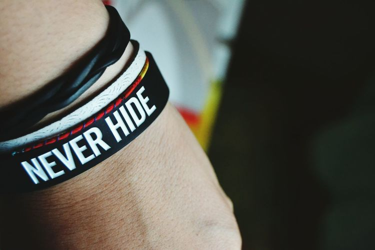 Never Hide Bracelet Be Yourself First Eyeem Photo Black And White EyeEm Nikon EyeEm Light Nightphotography Me