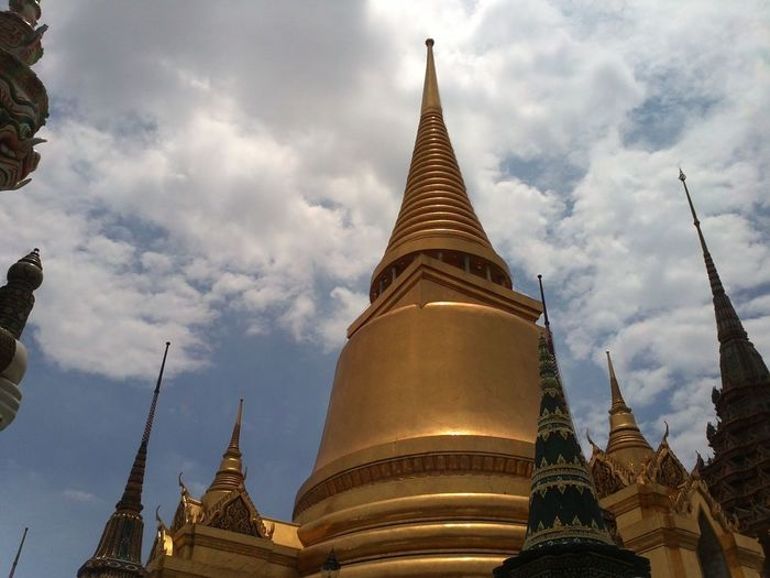 Built Structure Building Cloud - Sky Wat Prakeaw Bangkok Wat Prakeaw Bangkok Grand Palace Bangkok Travel Destinations Sky Place Of Worship Belief Religion Spirituality Temple Building Temple Thailand EyeEmNewHere