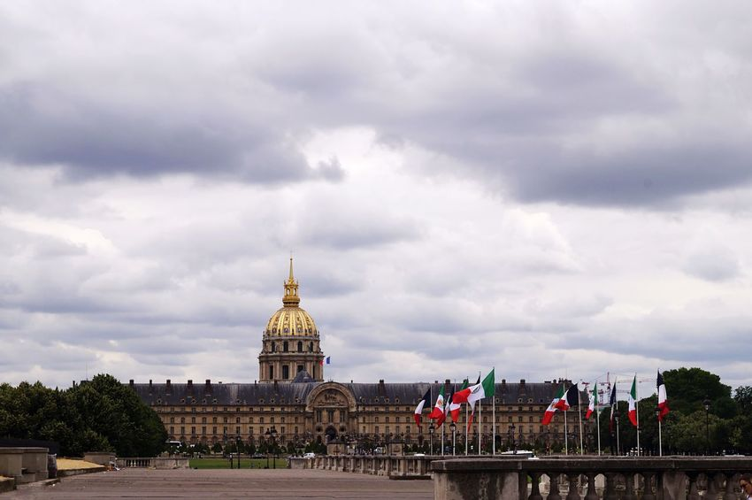 Flags Cloud - Sky Sky Architecture Built Structure Large Group Of People Building Exterior Travel Destinations History Outdoors Government City Day Dome