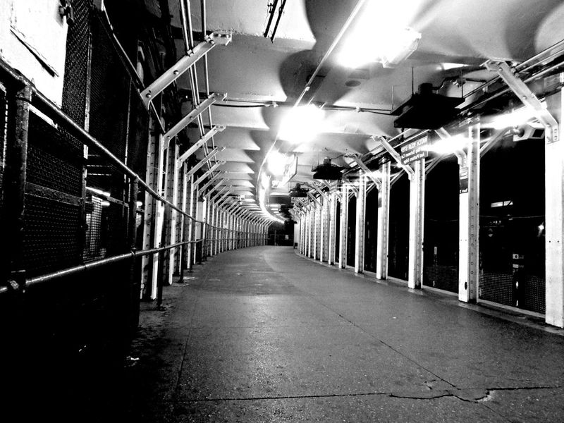 """""""Evacuation"""" by edemirbarrosfotografi Abstractarchitecture Streetphotography Black And White First Eyeem Photo Thinking Eyem Gallery Hello World Production Eye4photography  Futuristic I Love Art My View This Morning.. Darkness And Light Street Photography Unique In My Zone Stand Out From The Crowd My Vision Artwork Traveling Buildinglovers Tunnel"""