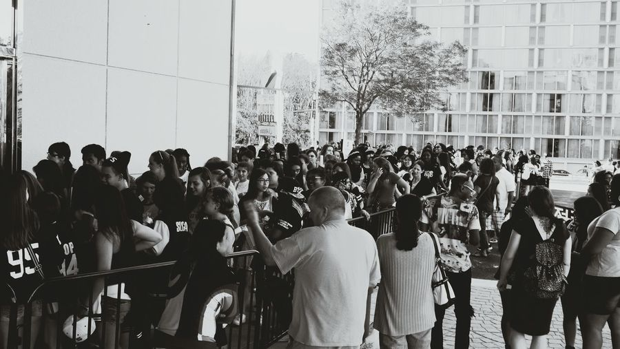 The Fan Club waiting in line for hours for our Favorite Band to perform. BTS 방탄소년단 TRBinChicago TRBinUSA
