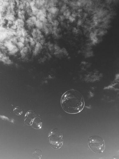 Bubbles on running. Bubbles Bubbles... Bubbles...Bubbles.... Bubbles On The Sky Blackandwhite Preto Pretoebranco