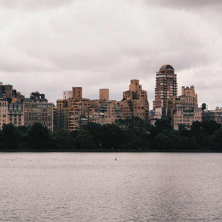Tb to NYC ☁ NYC Newyork Nycprimeshot urban lake vscofolk folk clouds architecture