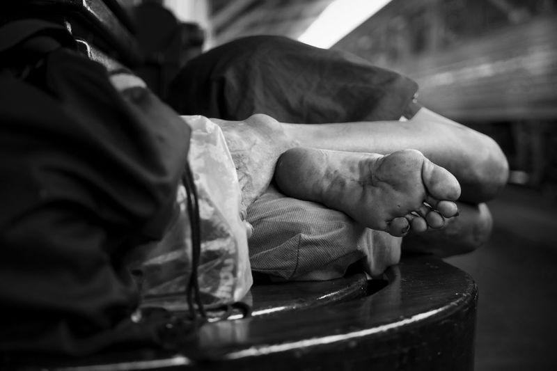 Sleeper. Streetfotoq Streetphotography Streetphotography_bw Blackandwhite Blackandwhite Photography Blackandwhitephotography Blackandwhitephoto Black And White Black And White Photography Black And White Collection  Black & White Monochrome Mood Feet Sleeping Homeless Showcase July
