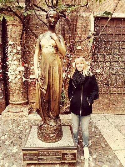 Giulietta CasaDiGiulietta Verona Italy Romeo&juliet Shakespeare Greatmoments