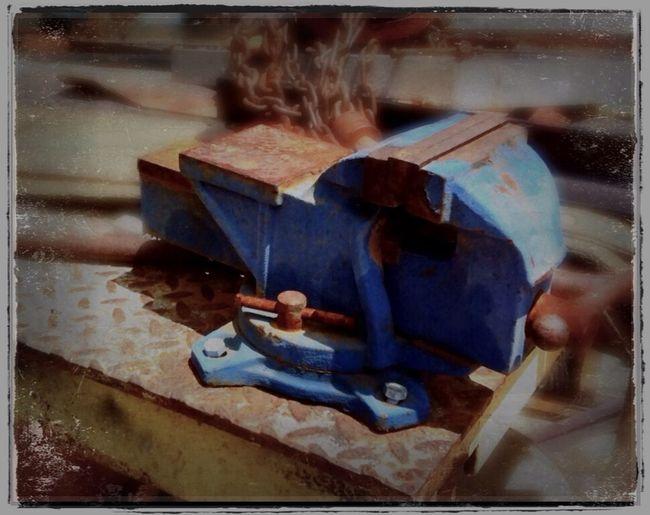 Visé Construction Tools Blue