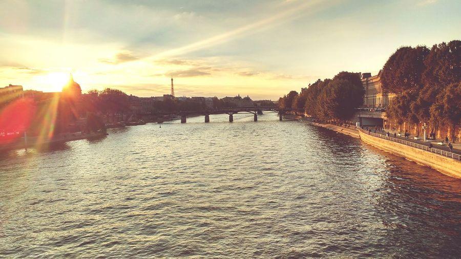 Europe Photooftheday Sunset Paris Paris Je T Aime Parlefrancais Cityoflove Travel Photography Travel Autumn France 🇫🇷