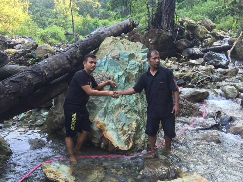Berburu batu giok Jade nagan raya, idogres lumut Jakarta Bali Medan Makassar Jogja Bandung Malaysia INDONESIA