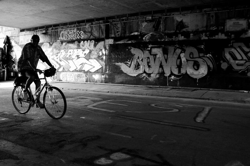 Bicycle Transportation Mode Of Transport Land Vehicle City Life Men Wall - Building Feature Bycicles Bicycling Blackandwhite