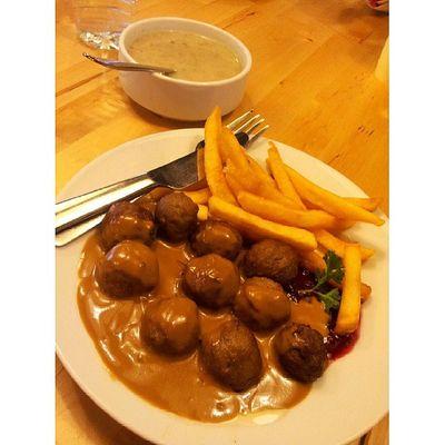 Sengaja suruh orang lain mengidam Lunch Foodstamping Foodporn IKEA meatball love