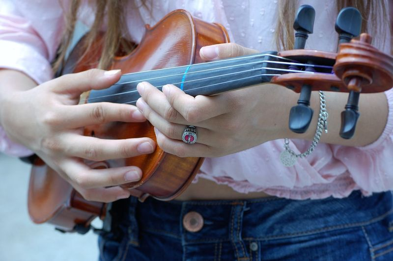 Violinist Tobe18again Sosmart Soproud Sicemcats Shesgoingtobeadoctor Senior2016🎓 Portrait Outdoors Niece  Lovemyniece Iphotographedher Highschoolsenior CHSBobcats Beautyandbrains Beautiful 18yearoldniece Noeditnofilteryet
