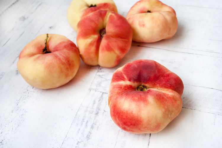 Fig peaches Dessert Fig Peaches Healthy Eating; Summer Fruits Vitamins Clean Eating Close-up Directly Above Food Food And Drink Freshness Fruit Group Of Objects Harvest Healthy Eating High Angle View No People Peaches Peaches🍑 Red Ripe Still Life Table Wellbeing Wood - Material