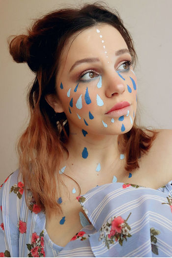 Cosplayer Cosplay Brown Eyes Embers0ashes Photography People Cosplaying Selfie Rain Rainy Brown Hair Brunette Self Portrait Young Women Portrait Beautiful Woman Beauty Headshot Studio Shot Women Looking At Camera Front View Confetti Human Lips Eyebrow Lipstick Make-up