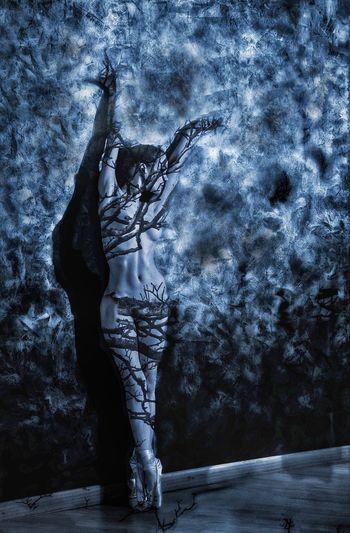 Dark Dancer. Artistic Nude The Dancer EyeEm Woman Eye4photography