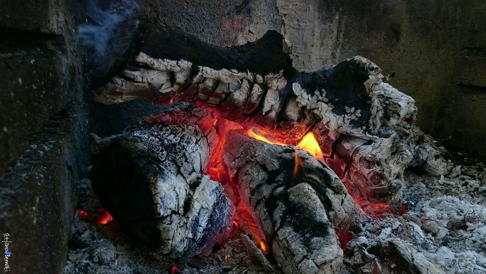 Fall Under The House Autumn Macro Heat - Temperature Hearth Fire Z3 Xperia