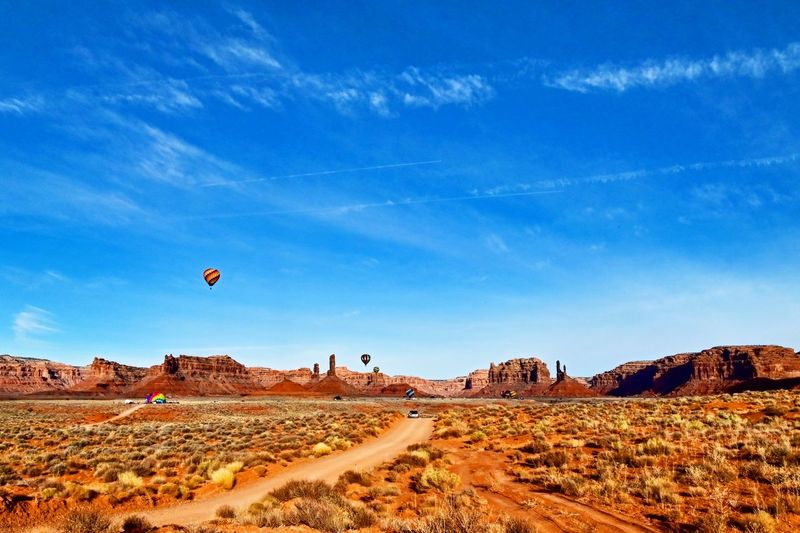 Balloons in canyons of the ancients, utah