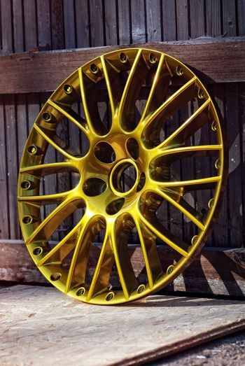 Felgensterne in Candy Gold Felgen Gold Transportation Wheel Candycoated Car Coating Custom Cars Gold Colored Outdoors Powdercoating Yellow