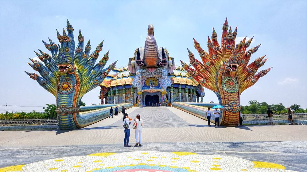 Religion Full Length People Architecture Outdoors Day Sky Adult Adults Only Only Men EyeEm Dragon Thailand EyeEm Team Thailand Photos Nature
