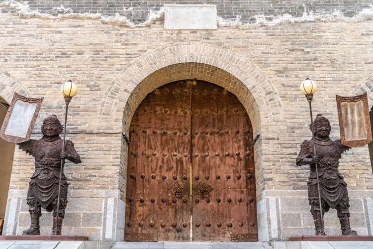 Yanmen pass Great Wall gate, Shanxi Province, China Ancient Dimensions Gate Landmark Metal Old Outdoors People Sculpture Statue The Great Wall Tradition Yanmenguan Yanmenzhai Yanmenzha Architecture Human Representation Representation Male Likeness Built Structure Building Exterior Arch Art And Craft History Day The Past Building Travel Destinations Creativity Entrance Standing No People Uniform Government
