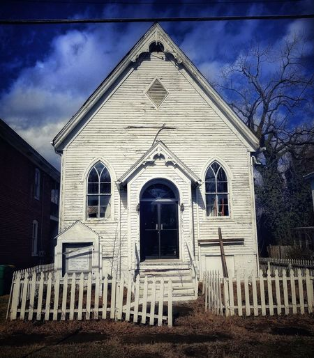 "I hope you're somewhere praying, praying...I hope you're soul is changing, changing...-- ""Praying"" ▶️ Kesha Church Architecture Church Rural Scene Old Buildings Old Church Old Church Abandoned Buildings EyeEm Best Shots Huffington Post Stories Huffpostgram Abandoned & Derelict Rural America Drivingshots Countryside AMPt - Street AMPt - Abandon AMPt - LOVE Architecture Building Exterior Built Structure Sky Façade Outdoors No People Window"