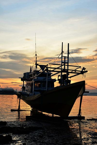 Sunset_collection Water_collection Beach Photography Beach Life Beach Sunset Sunset Silhouettes Sunsets Kendari Bay