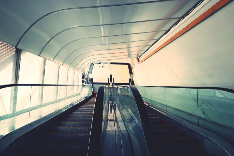 No people on escalator
