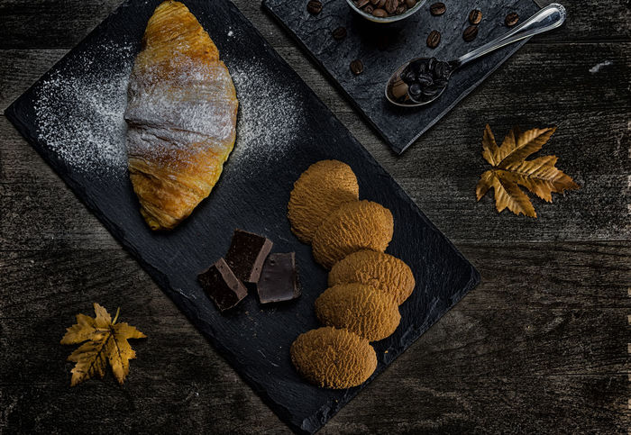 Black Breakfast Close-up Croissant Food Gastronomy Low Light Morning Orange Product Studio Photography Studio Shot Sugar