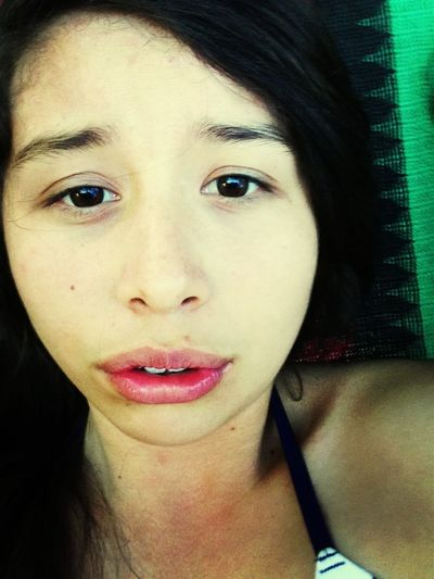 Aburrida Pintandome Los Labios :3'