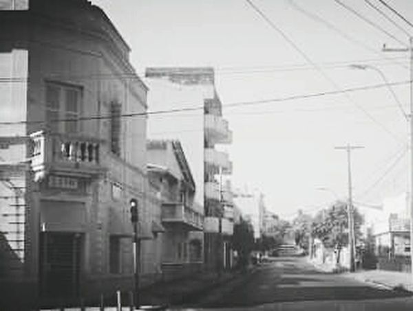Red lights wont stop us, the streets are ours anyway. Black And White SUNDAY MORNINGS Paraguay-Asuncion Empty Streets City Town Architecture
