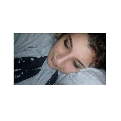 Il senso del sonno. 🎶😱👊 Sonno Senzacaffé Modormo Aiuto Instabad Instagoodafternoon Instasleep Like4me Likeforlike Like4follow