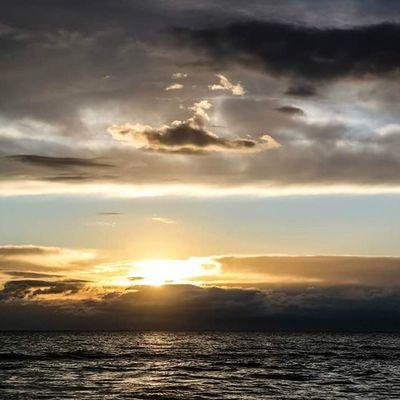 Sunsets Sunset Tramonto Tramonti sea mare evening sera cinquale tuscany toscana italia italy versilia wonder meraviglia cloud clouds nuvola nuvole