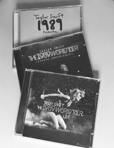 Taylor Swift Taylor Swift CDs 1989worldtour Fan Collection Text No People Star - Space Blackboard  Indoors  Day