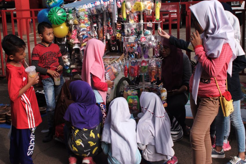 Depok, January 2018 Veil Hijab City Women Men Multi Colored Retail  For Sale Stall Market Stall Retail Display Shop Display Street Market Various Market
