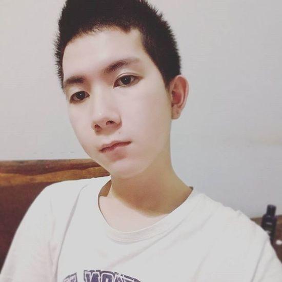 Hôm nay tự dưng mắt có mí ... Haha Selfie Boy Vietnamboy Asian  Chinaboy