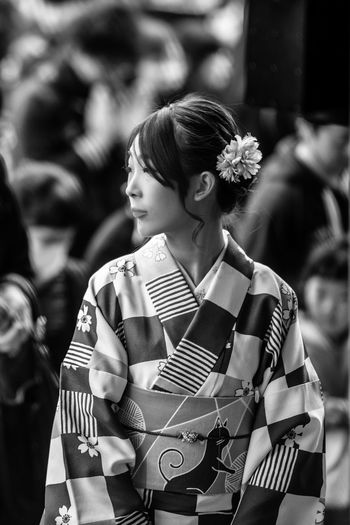 """""""My lips are sealed"""" EyeEm Best Shots - Black + White EyeEm Best Shots Kimono Geisha One Person Adult Women Lifestyles Young Adult Females Looking Beauty Young Women Looking Away Happiness Clothing Casual Clothing Emotion Beautiful Woman Contemplation Real People Portrait The Portraitist - 2019 EyeEm Awards The Portraitist - 2019 EyeEm Awards"""