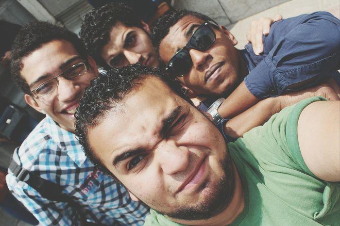 Cairo university. Con mis mejores amigos Taking Photos