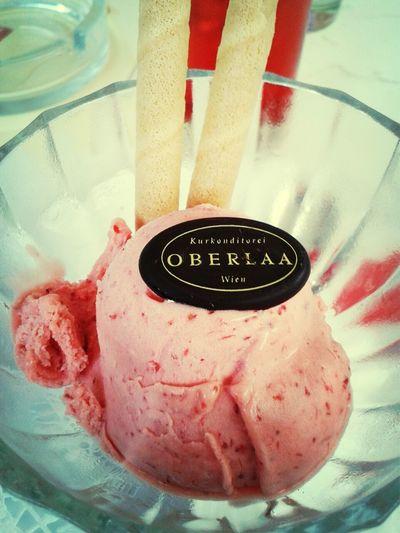 Ice Cream Strawberry Oberlaa Konditorei
