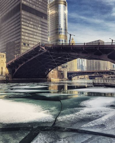 Icebergs in the Chicago River