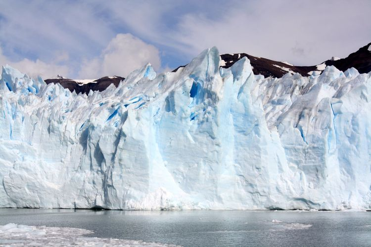 Steep spectacular ice formation