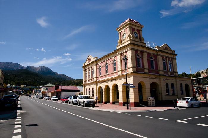 Queenstown - Tasmania Australia City Building Exterior Car Outdoors Queenstown Tasmania