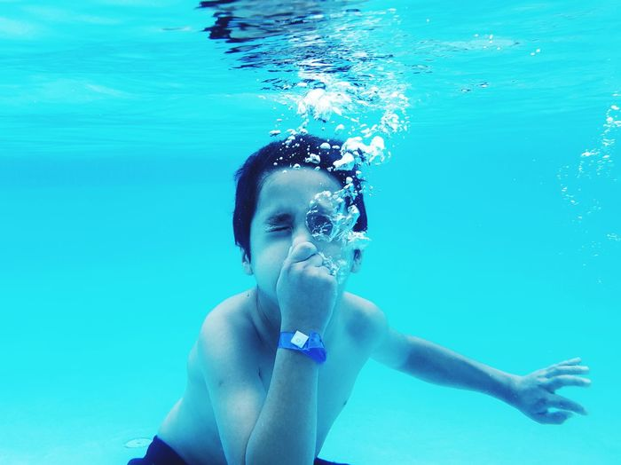 Kids Summer UnderSea Water Swimming Swimming Pool Underwater Portrait Blue Bubble Close-up Swimming Goggles Refraction Spectrum This Is Family