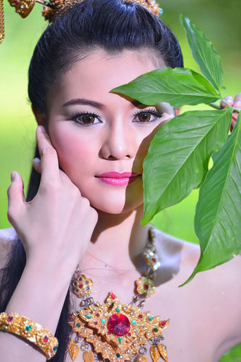 Thailand sets application Thailand Sets Application Beautiful Woman One Person Plant Portrait Real People Women Young Adult Young Women