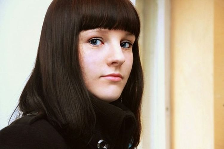 I was brunette, now I'm not. Brunette Nice Girl EyeEm Best Shots Faces Of EyeEm Taking Photos Sadeyes