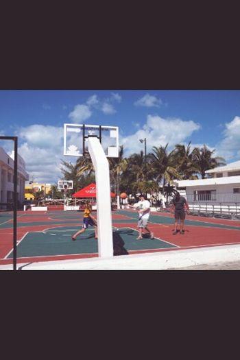 Streetphotography Cancun Basketball Game