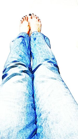 Thx to take me everywhere!! Human Body Part One Person EyeEmNewHere Art Is Everywhere EyeEmDiversity CaptureTheMoment Legs Legsselfie Legs And Feet Real People Human Leg Personal Perspective Jeans My Legs