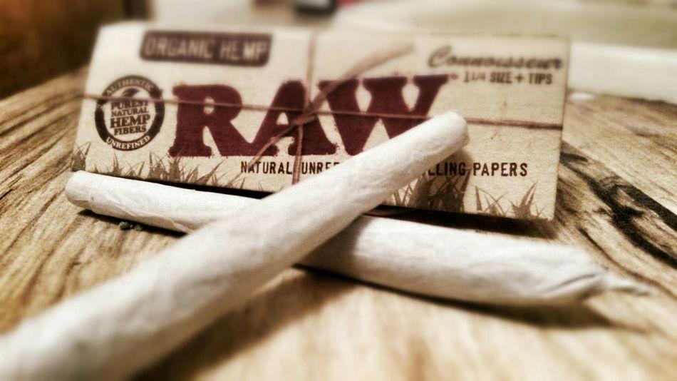Raws N Filters Hemp Smoke Weed Paper Planes Raw Papers