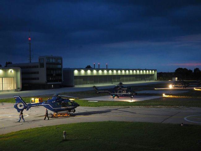 ... ein gewitter zieht auf ... Ec135 Helicopter Thunderstorm Clouds Olympus OM-D EM-1