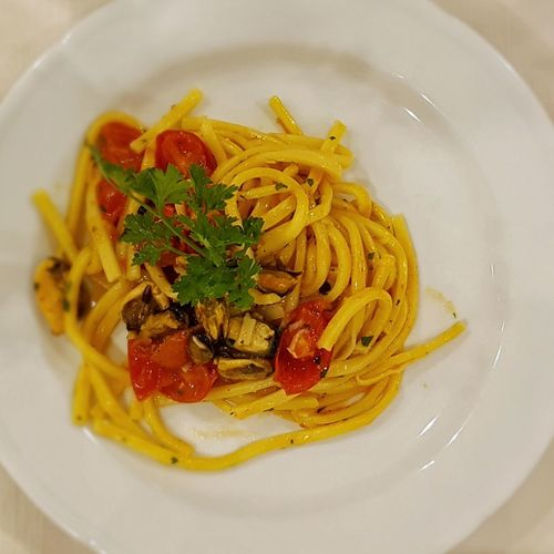Pasta Italian Food Spaghetti Food Food And Drink Savory Food Indoors  Healthy Eating Freshness High Angle View Leaf Herb Plate Cooked Ready-to-eat No People Close-up Day Muschel Cozze