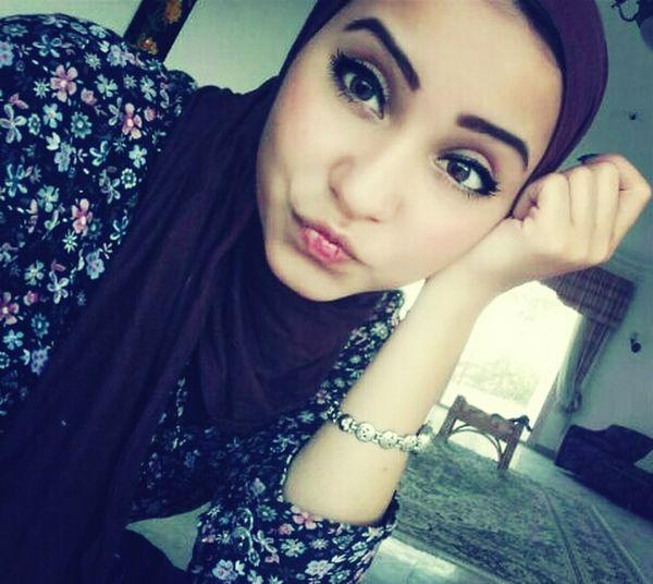 Lady Hijab Eye Makeup