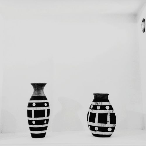 White Light And Shadow Colorful Vase Vase Of Flowers Lux Decor Decoration MyPhotography EyeEm Best Shots Cool Beautiful Real Life Friends Friend Friendship Blackandwhite Blackandwhite Photography Black And White Photography Myphoto Photo Photooftheday Photoshoot Photos Around You Photographic Memory